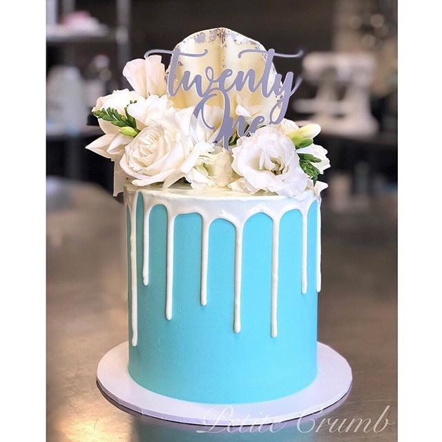 Tiffany blue 💁‍♀️💁‍♀️ Lindt white choc