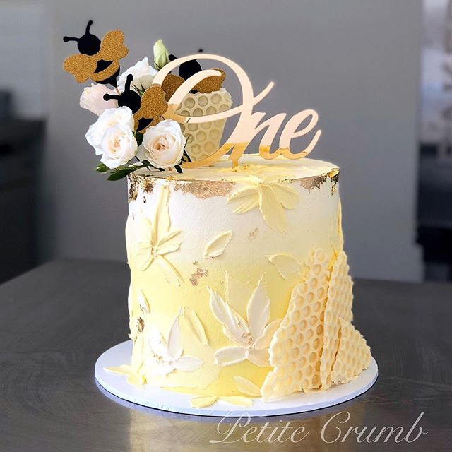 O N E 🐝🐝 Filled with vanilla buttercak