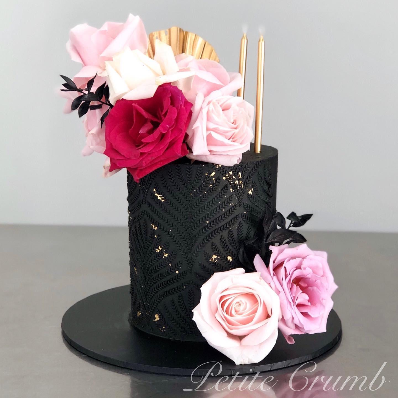 Black harvest stencil cake
