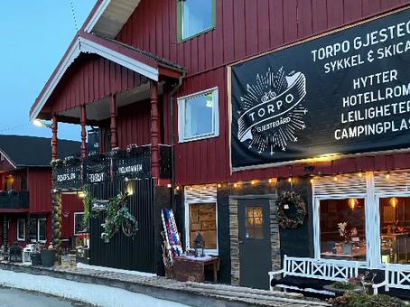Vi har gleden av å meddele at Torpo Gjestegård er åpen for booking igjen.