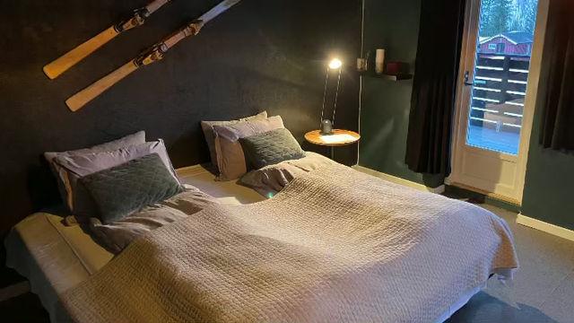 Bo i våre leiligheter eller hotellrom med god plass og begrenset antall gjester.