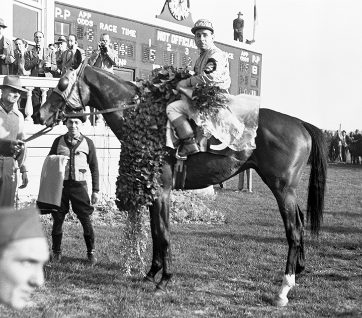 Triple Crown winner Count Fleet after the 1943 Kentucky Derby. Reigh Count, Count Turf