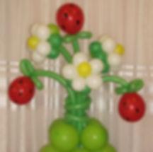 Цветы (земляника) из воздушных шаров