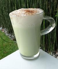 latte bebida de té verde