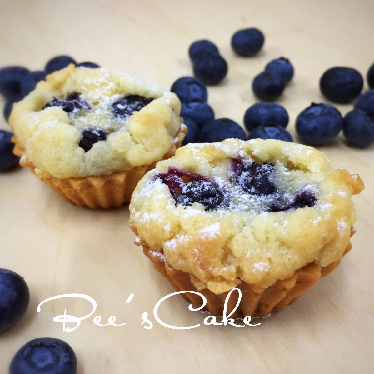 Mini Blueberry Crumble Tarts