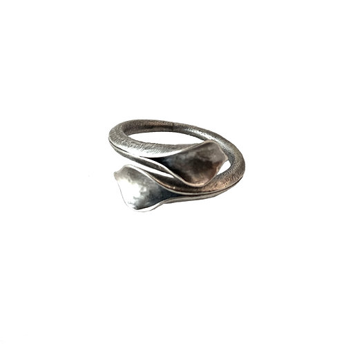 Double Lily Ring