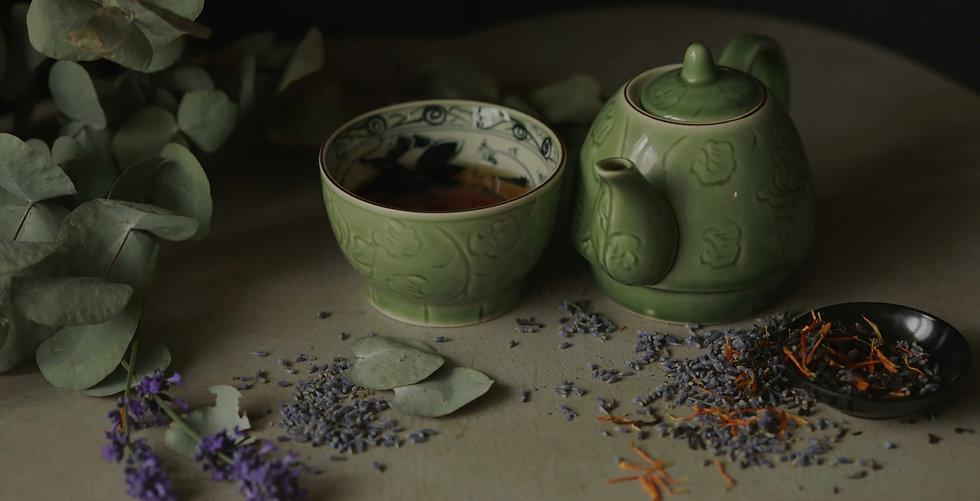 lavender teapot lifestyle
