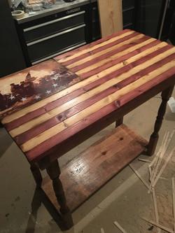 Delaware Crossing Table