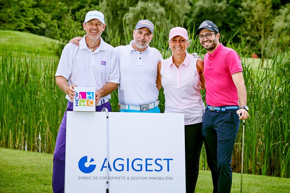 Photo équipe golfimmo panneaux Agigest