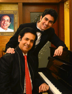 Ruhan with son Sidhant Kapoor