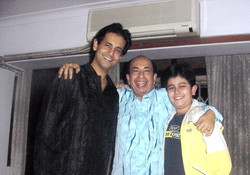 Shri.Mahendra Kapoor sharing happy moments with his son and gradson