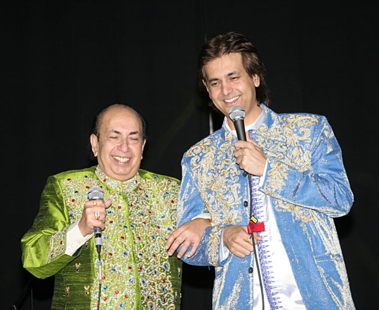 Ruhan performing with father Shri.Mahendra Kapoor, USA