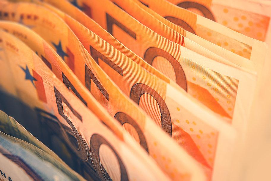 euro-bills-banking-theme-PXTWWLL.jpg