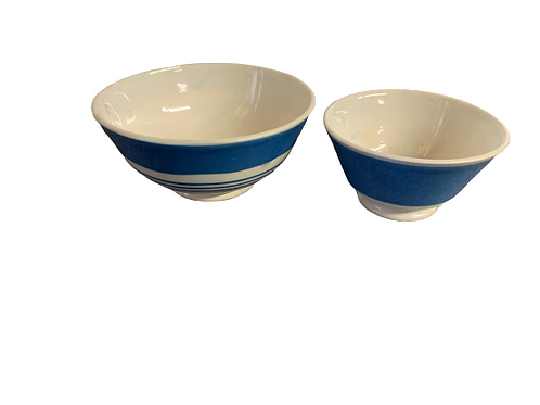 Two pieces of Mocca bowls