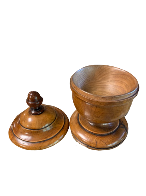 Elm wood clover wood bowl in nice patina 19th. century