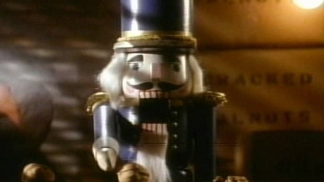 A nutcracker in a dead-end job laments about his unfulfilled dreams.