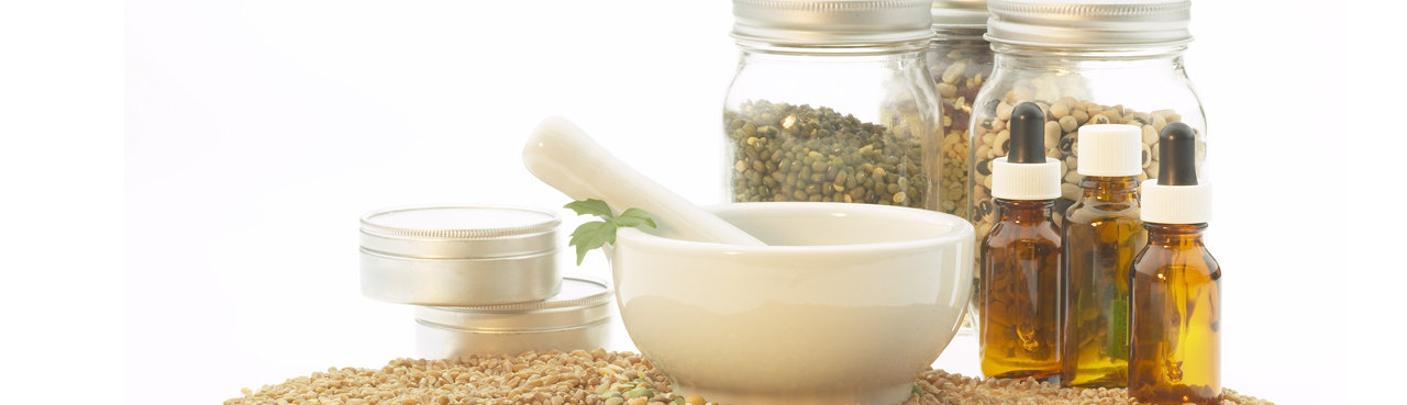 compounding mortar and pestle wth ingrdients