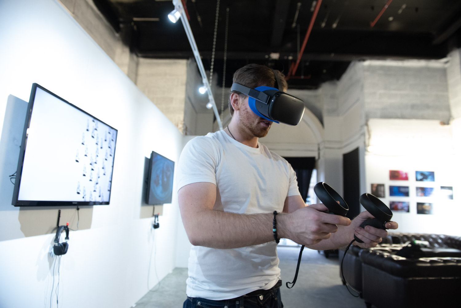 Virtual Reality tested by young festival attendee at the Neo Gallery