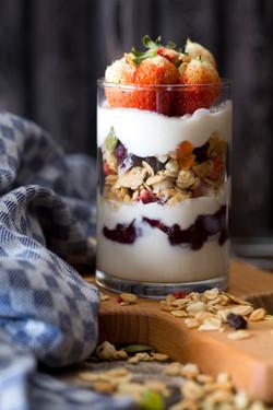 Granola Yoghurt Parfait