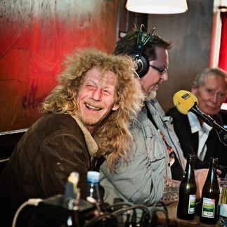 Udgivelsen af frimærket med Gasolin 3-pladecoveret blev  fejret på Andy's Bar i København, hvor radiovært Alex Nyborg Madsen sendte direkte