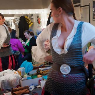 Amatørteater i Holbæk. Michael, Flemming og Heidi arbejder alle 3 hos Post Danmark og medvirker og spiller til skue på Kulturkasernen i Holbæk.