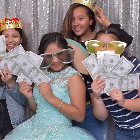 Top Features of our Photobooths