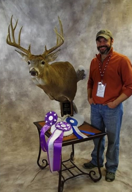 Taxidermist in Iowa - Raccoon Valley Taxidermy, Redfield Des