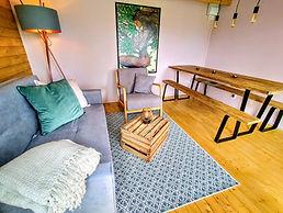 Hideaway cabin seating-dining.jpg