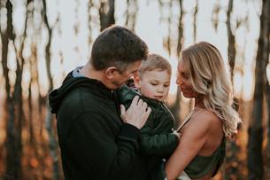 THE LABOUCANE FAMILY | LLOYDMINSTER FAMILY PHOTOGRAPHER