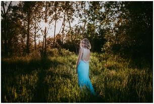 LIZELLE | LLOYDMINSTER GRADUATION PHOTOGRAPHER
