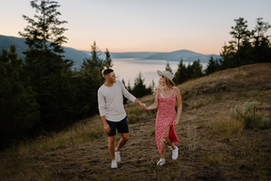 KELOWNA COUPLES PHOTOGRAPHER | MADISON AND STEVEN