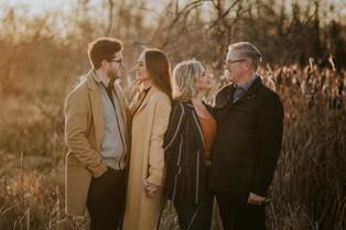 THE BARNETT FAMILY | LLOYDMINSTER FAMILY PHOTOGRAPHER