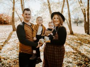 THE ARNOLD FAMILY   LLOYDMINSTER FAMILY PHOTOGRAPHER