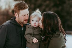 JORDAN AND JAZMIN   DOCUMENTARY FAMILY SESSION   LLOYDMINSTER