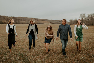 LLOYDMINSTER FAMILY PHOTOGRAPHER | THE LYPKIE FAMILY