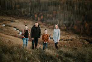 THE WOODS FAMILY | LLOYDMINSTER FAMILY PHOTOGRAPHER