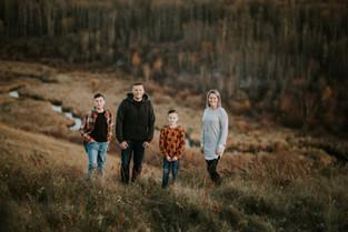 THE WOODS FAMILY | LLOYDMINSTER FAMILY PHOTOGRAPHER