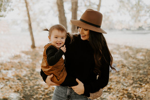 LLOYDMINSTER FAMILY PHOTOGRAPHER | KATIE AND KAYDENCE