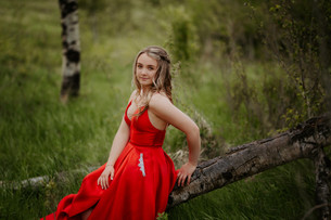 LLOYDMINSTER GRADUATION PHOTOGRAPHER | JACELYN