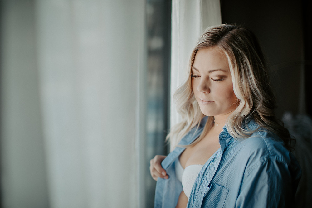 lloydminster boudoir photographer, lloydminster boudoir photography, lloydminster boudoir photo, lloydminster boudoir photo shoot, sarah thorpe photography. sarah thorpe photography boudoir, boudoir photography, boudoir photos, lloydminster photographer
