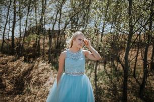 MADDY | KITSCOTY GRADUATION PHOTOGRAPHER