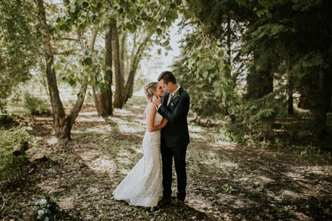 LLOYDMINSTER WEDDING PHOTOGRAPHER | PAIGE AND TANNER