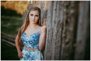 CHELSEA | LLOYDMINSTER GRADUATION PHOTOGRAPHER