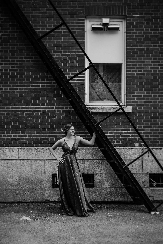 TAYLOR AND RYAN | LLOYDMINSTER GRAD PHOTOGRAPHER