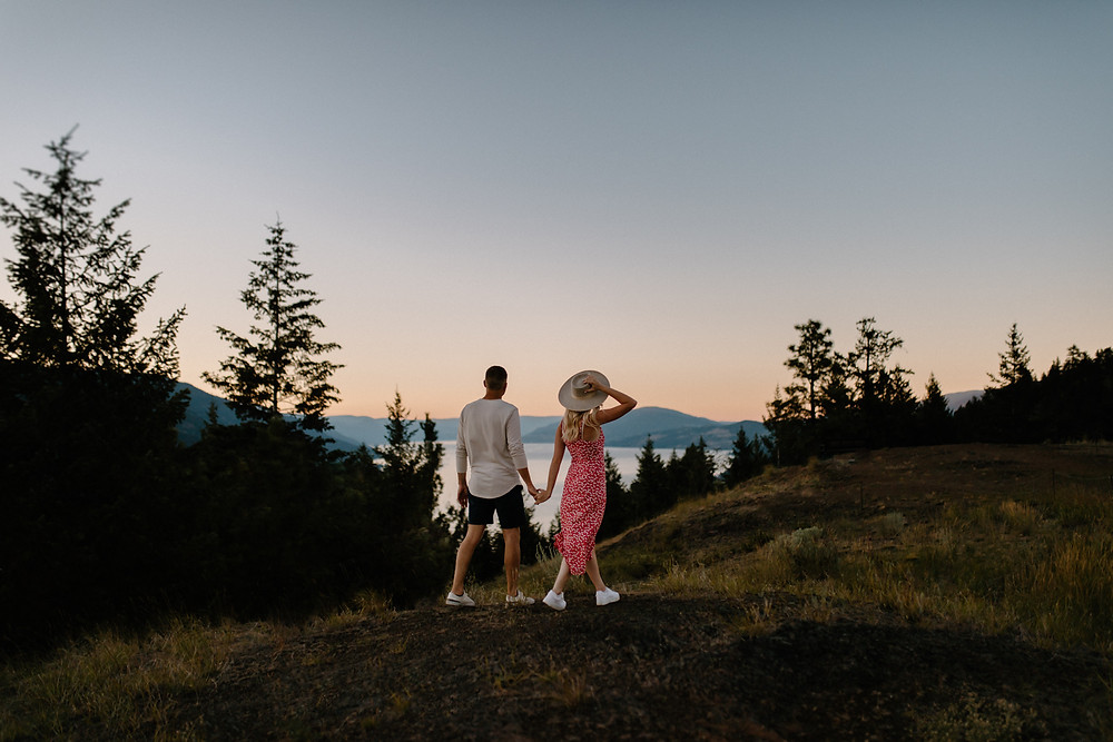 KELOWNA COUPLES PHOTOGRAPHER