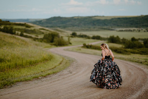 LLOYDMINSTER GRAD PHOTOGRAPHER | TARYN