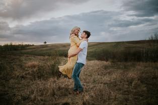 LLOYDMINSTER COUPLES PHOTOGRAPHER   NOAH AND BRENNA