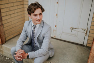 RYAN | LLOYDMINSTER GRADUATION PHOTOGRAPHER
