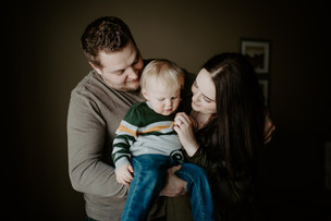 LLOYDMINSTER FAMILY PHOTOGRAPHER | THE THEISS FAMILY