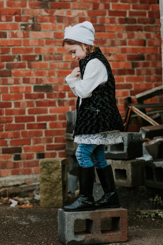 Lloydminster photographer, lloydminster portrait photographer, lloydminster portrait photography, lloydminster childrens photographer, sarah thorpe photography, sarah thorpe childrens photographer